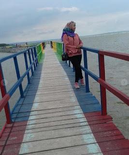 Jembatan Kayu Pantai Kutang Lamongan