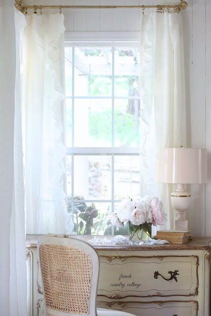 bedroom window blush and gold lamp with flowers