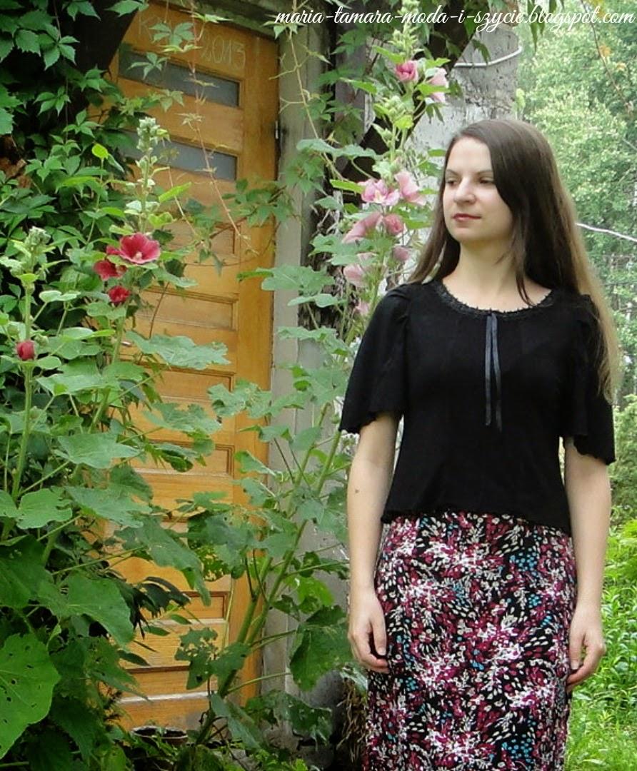 http://maria-tamara-moda-i-szycie.blogspot.com/2013/07/z-archiwum-i-poczekalni-czarna-bluzka-z.html