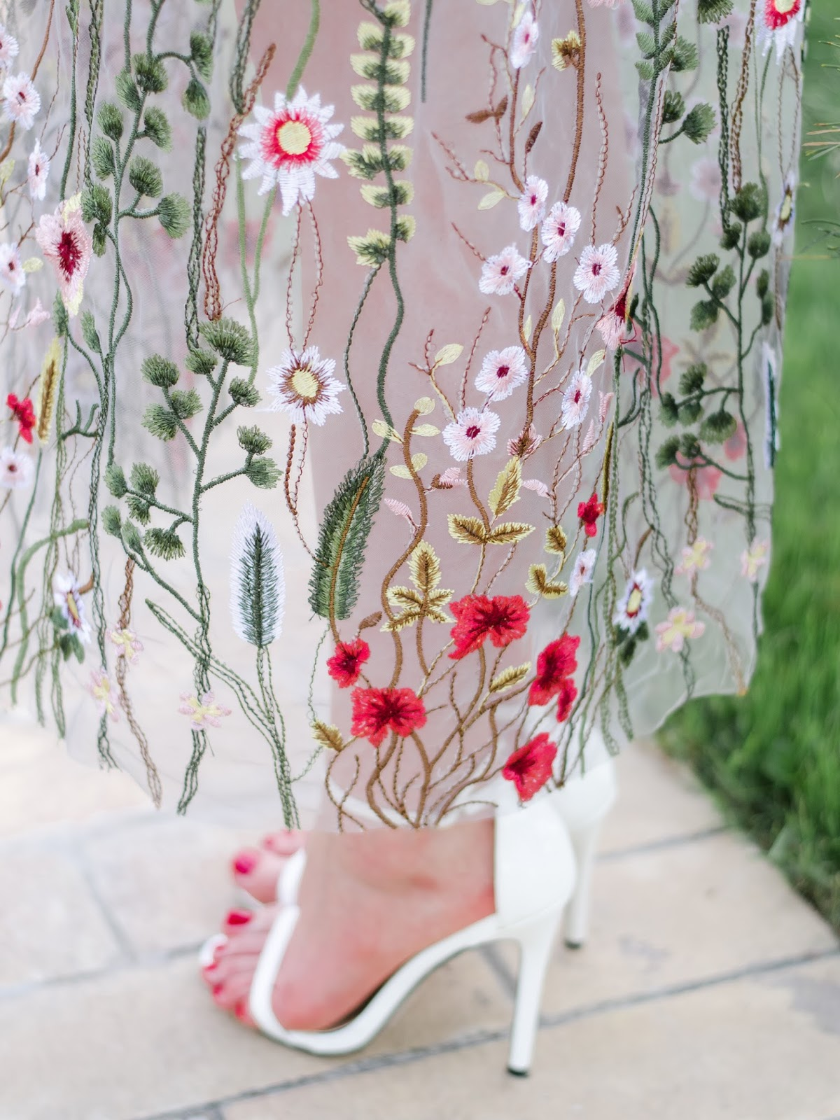 fashion blogger diyorasnotes diyora beta embroidery dress formal dress summer dress heeled sandals