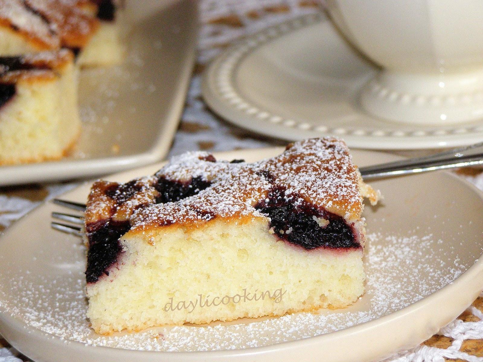 sprawdzony przepis na ciasto jogurtowe, lekkie ciasto z owocami, daylicooking