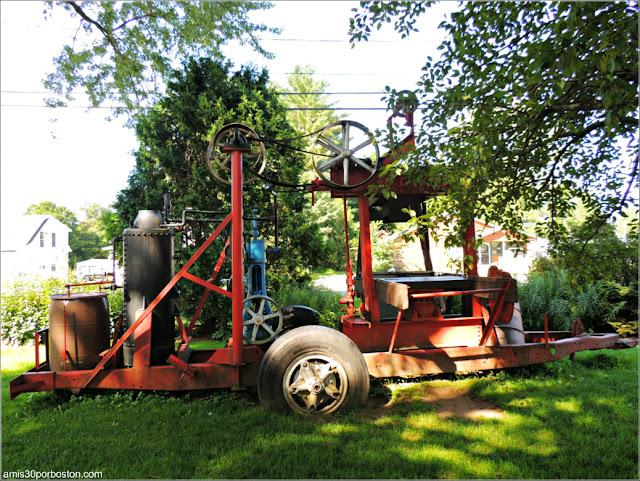 Máquinas en el Exterior de la Fábrica Cold Hollow Cider Mill de Vermont