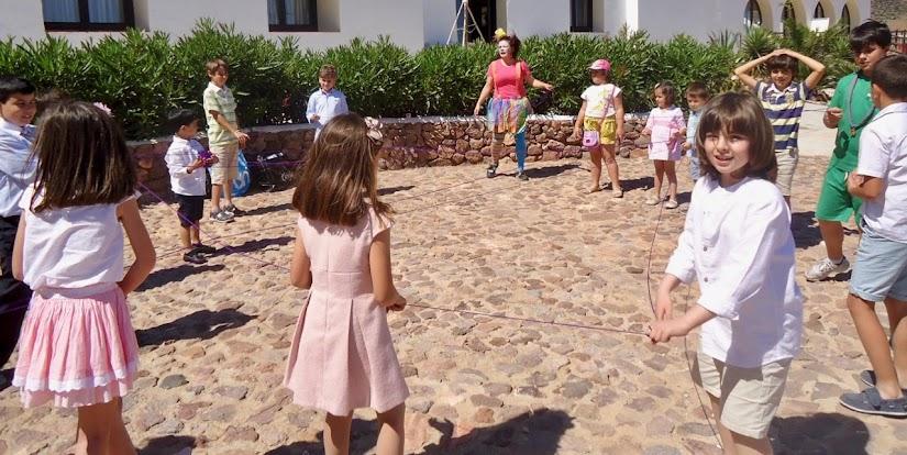Animación infantil en una comunión al aire libre