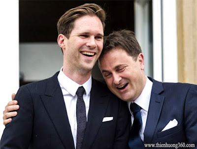 Thủ tướng Luxembourg, Xavier Bettel kết hôn với kiến trúc sư Desteney vào năm 2015