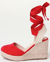 http://www.pimkie.fr/p/espadrilles-compensees-902476310A03.html