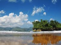 Keindahan Pantai Pelang Masuk Dalam Nominasi Anugerah Wisata Jatim