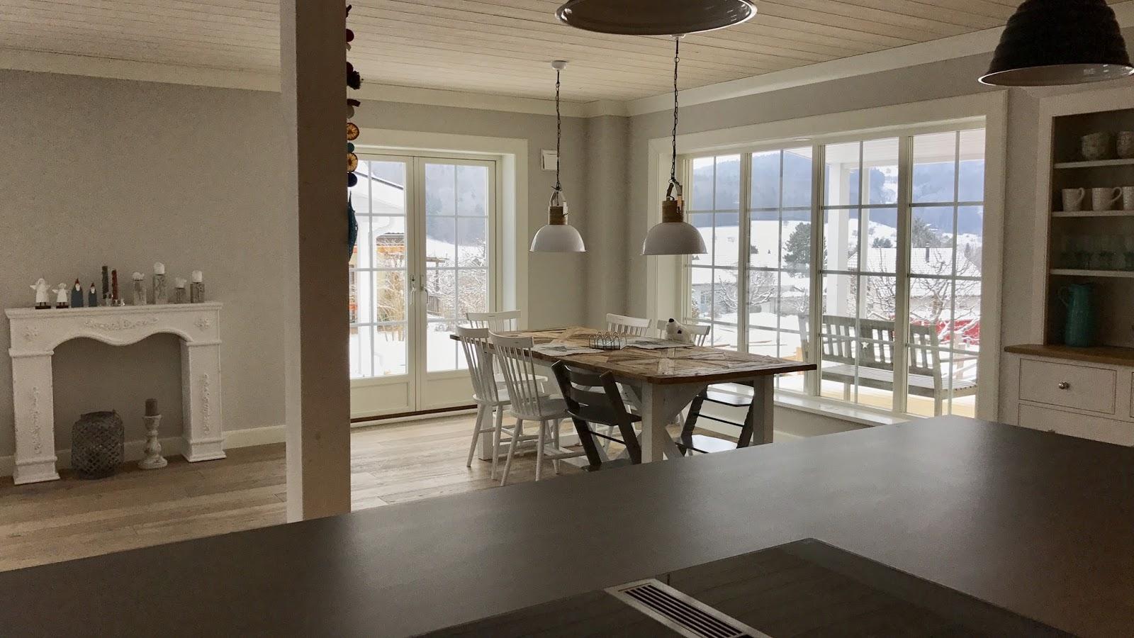Schwedenhaus innen treppe  Unser erster Monat im neuen Schwedenhaus! - Beachhouse Living