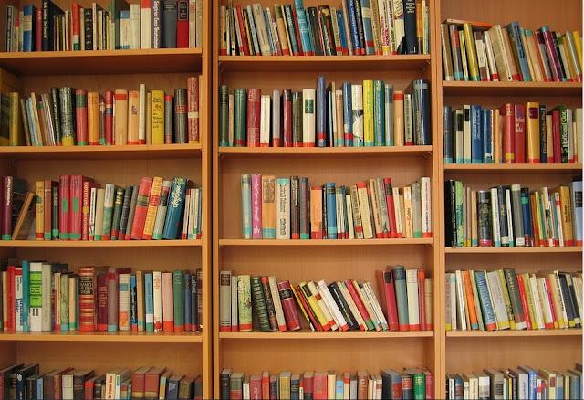 Contoh rak buku untuk rumah minimlis