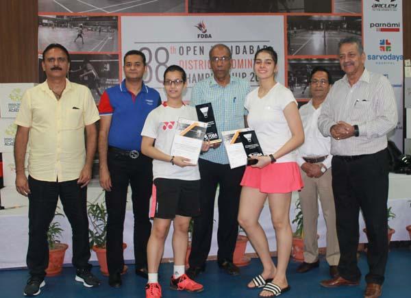 एमआर स्पोर्ट्स अकादमी में जिला स्तरीय बैडमिंटन प्रतियोगिता कुश और नूपूर ने जीते चार-चार खिताब