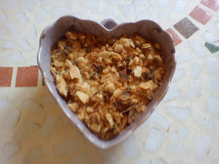 Crumble à la poire, amandes et gingembre