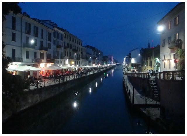 Navigli Milão à noite