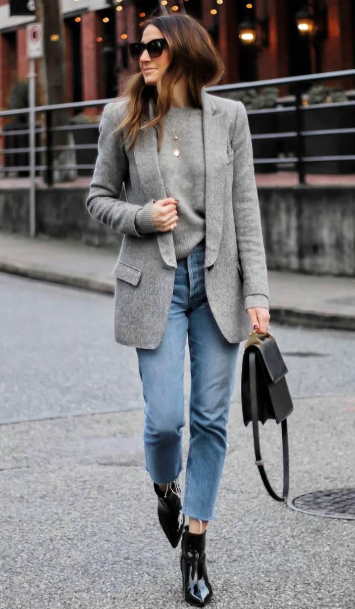 casual fall outfit inspiration / grey blazer + sweater + bag + boots + boyfriend jeans