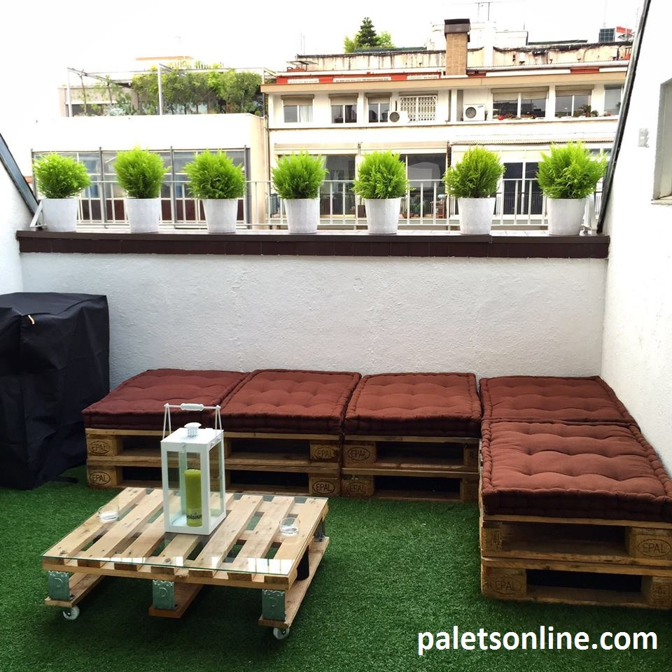 Muebles con palets for Palet jardin salon mesa