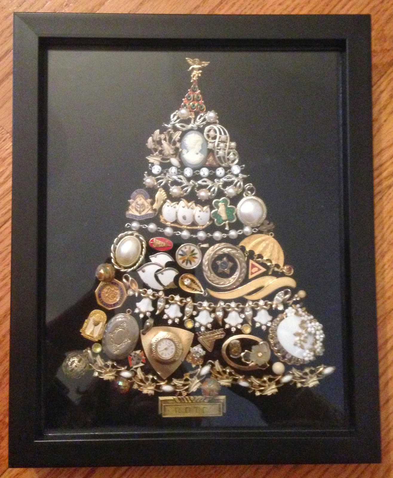 Junk Jewelry Christmas Tree