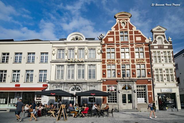 Plaza del Mercado - Oudenaarde por El Guisante Verde Project