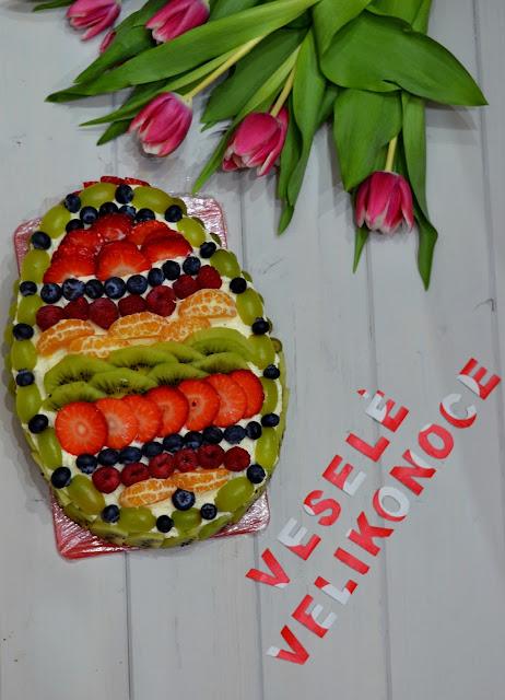 Čokoládový dort s lehkým mascarpone krémem a ovocem