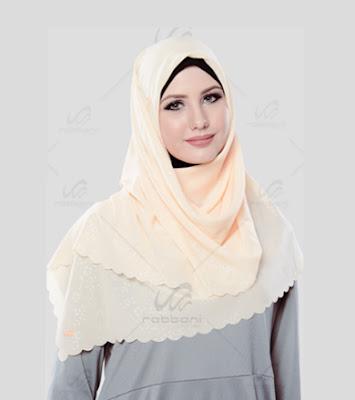 Model Hijab Segi Empat Modis Untuk Pesta Terbaru