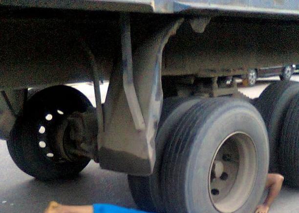 7up truck crushed man port harcourt