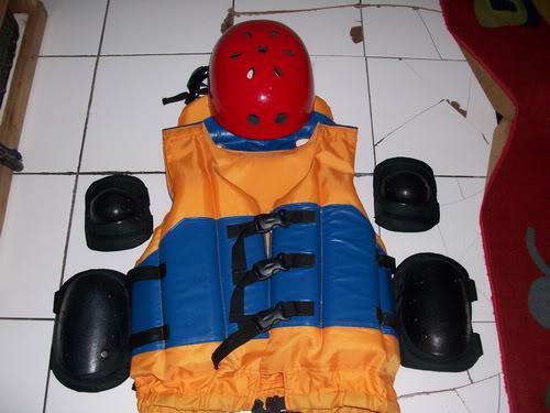Pelampung, Helmet dan Protektor