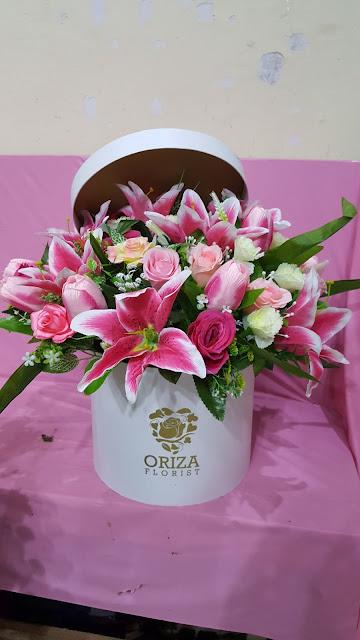 jual flower box surabaya, toko bunga valentine surabaya, jual bunga mawar valentine surabaya