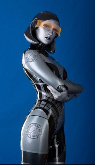 sexy-cosplay-edi-ai-robot