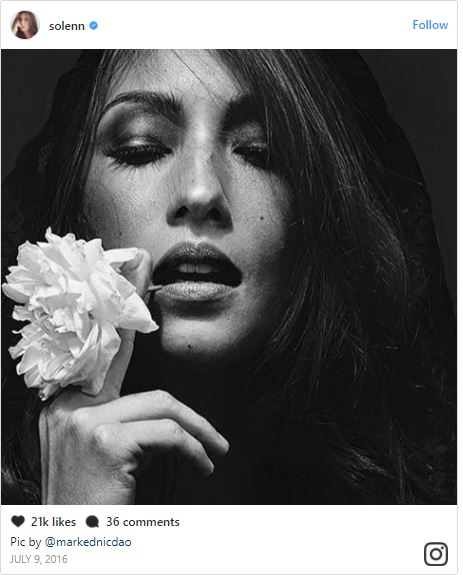 'T.Rex Hands' Selfie Of The Country's Sexiest Women Is Now A Trend! #7 Will Surely Allure You By Her Seductive Selfie!