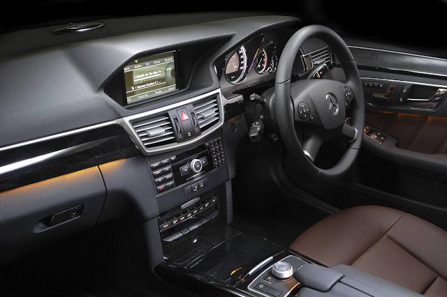 Mercedes-E200-noi-that