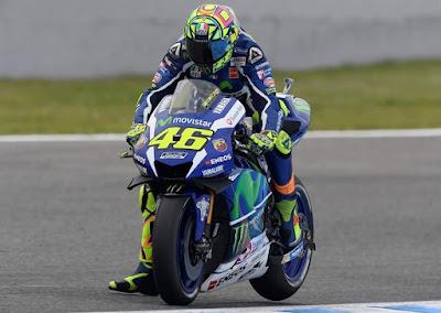 Menang dengan Cara Ngacir, Rossi Bantah Tiru Taktik Lorenzo