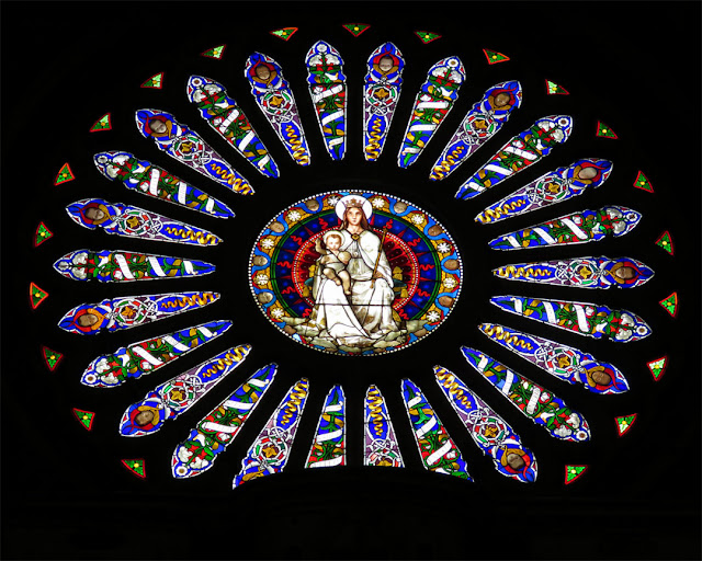 Rose window seen from the inside, Cattedrale di San Lorenzo (Cathedral of Saint Lawrence), Piazza San Lorenzo, Genoa