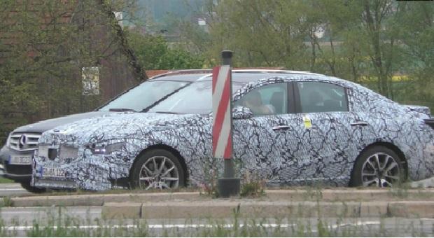Mercedes-Benz C-Class Listrik Mulai Diuji?