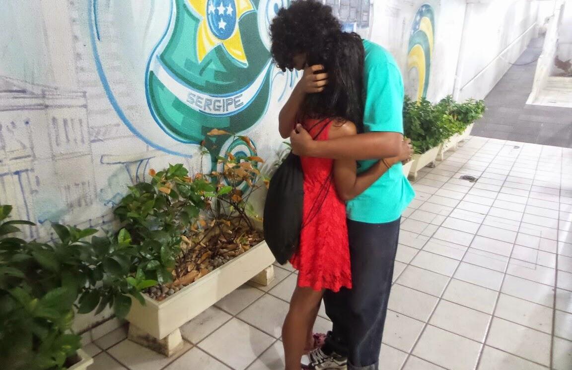 Bandido assalta casal e estupra jovem na Orla de Atalaia em Aracaju
