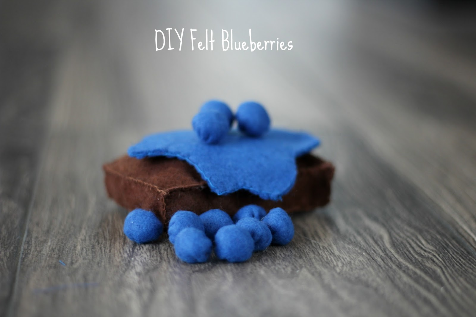 diy felt blueberries