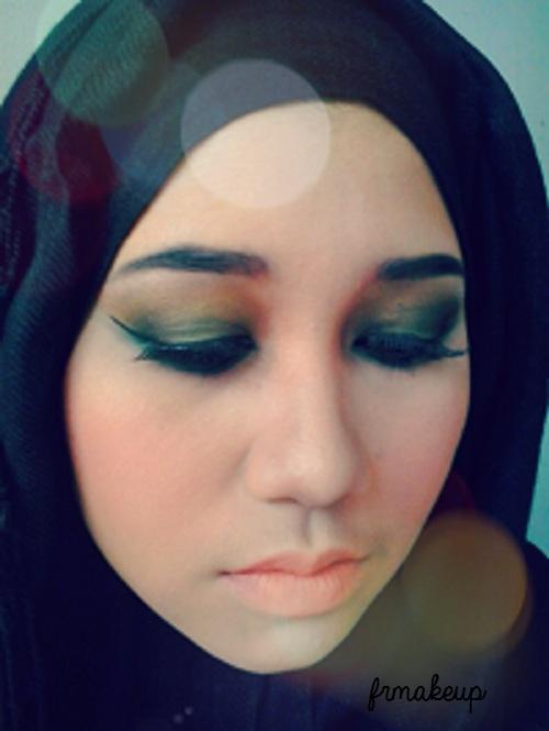 Situs video belajar cewek wanita gadis memakai jilbab