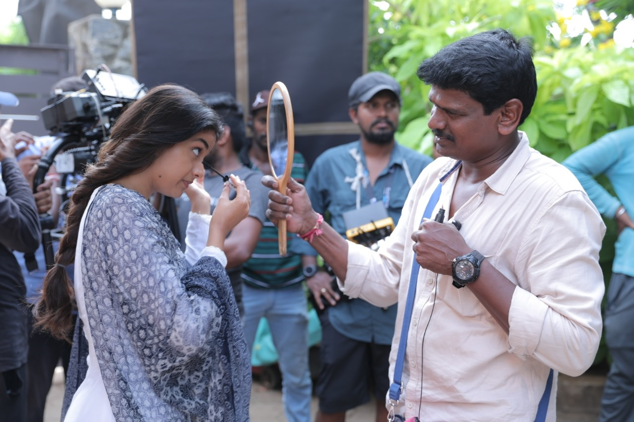 Keerthy Suresh with Cute and Awesome Lovely Smile with Penguin Team While Shooting 5