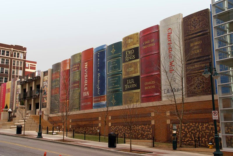 5. Kansas City Library (Missouri, USA) - Top 13 World's Strangest Buildings