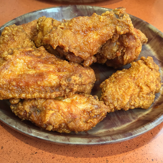 Hooter's - Spicy Hot Wing Crawl