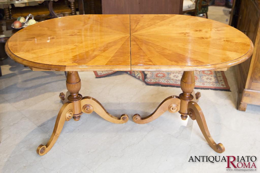 Tavolo Antico Allungabile Roma.Mobili Antiquariato A Roma Antico E Delizioso Tavolo Da Pranzo Ovale