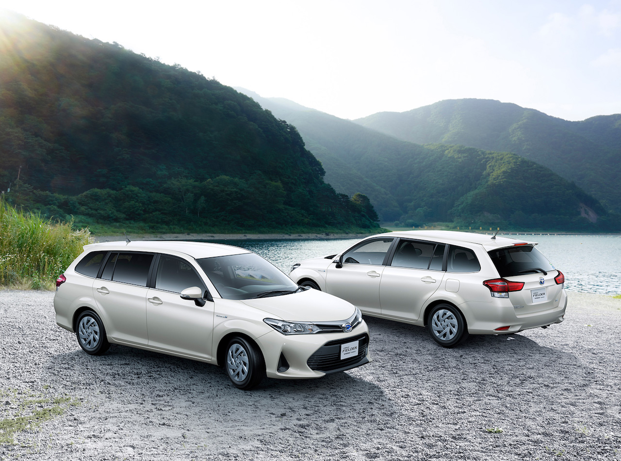 The 2018 Toyota Corolla Axio and 2018 Toyota Corolla Fielder's powertrain  options are a carryover from the old model. There are no changes in the  output ...