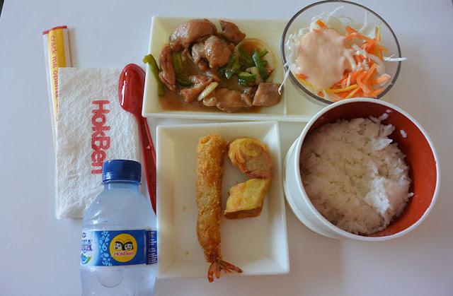 Salah satu sajian menu di Hokben