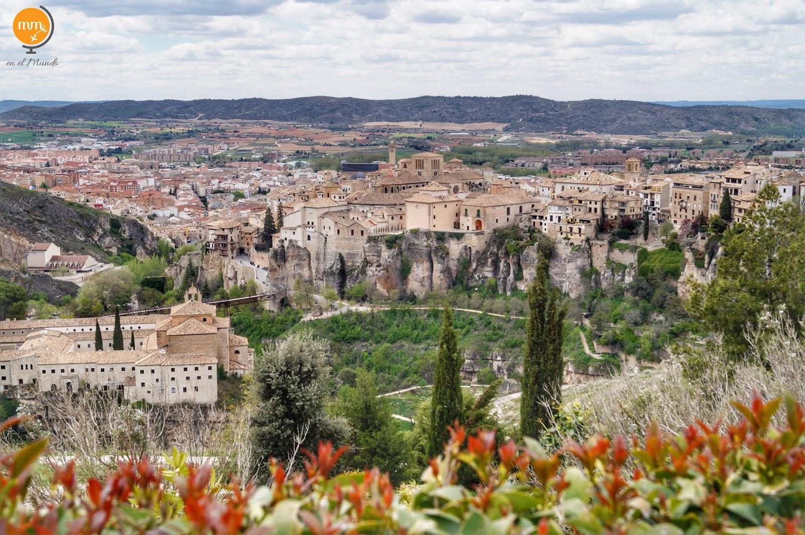 Niewiarygodne wiszące domy nad urwiskiem czekają na zwiedzanie w hiszpańskiej Cuenca!
