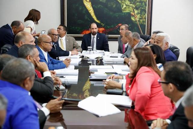 La reunión de hoy será clave para aprobar Ley de Partidos