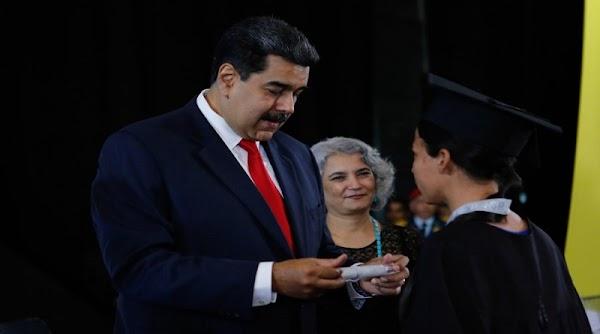 Maduro regañó en cadena nacional a maestro que pidió un salario decente (video)