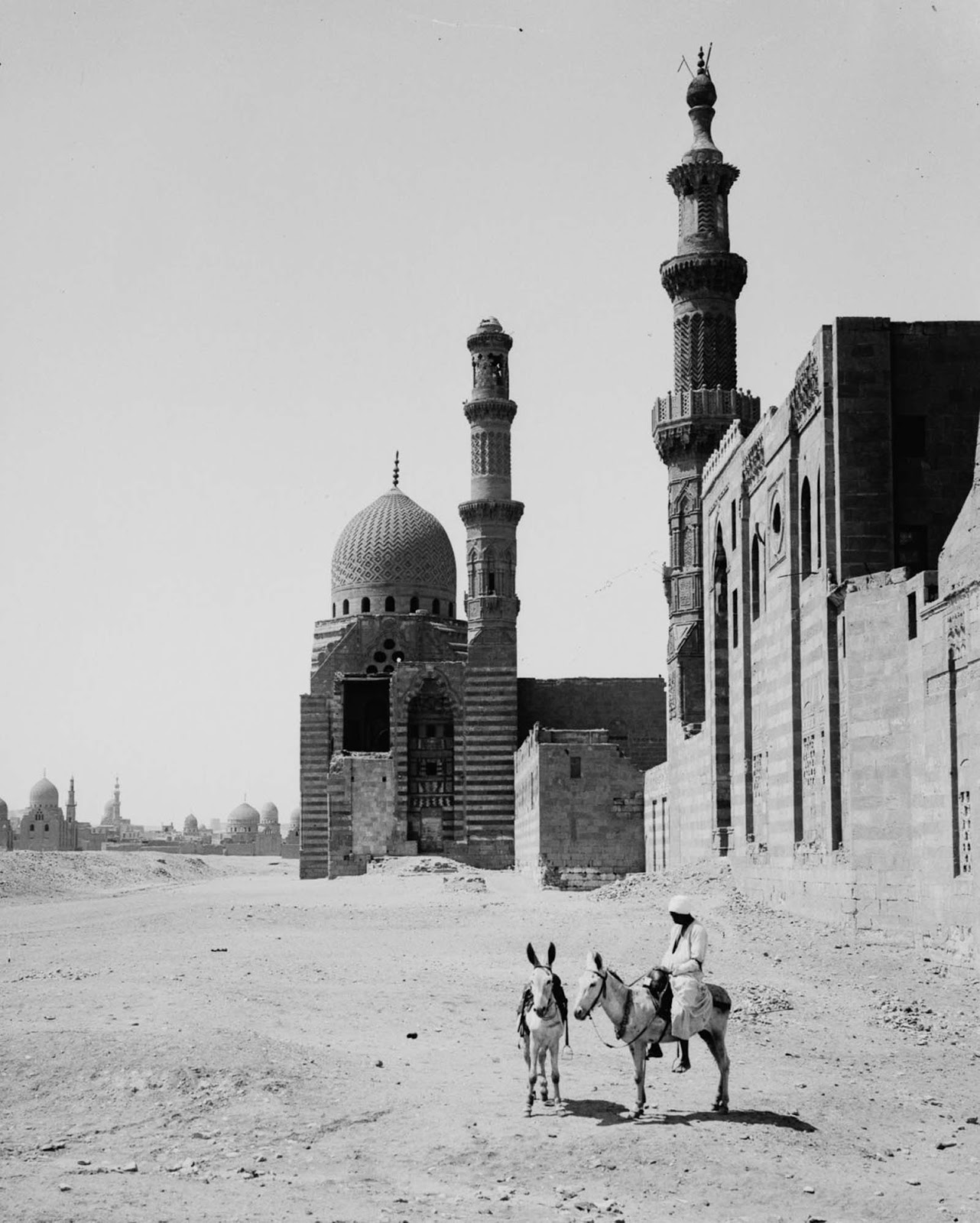 The tomb-mosque of Sultan el-Ashraf. 1900.