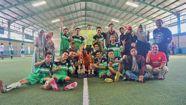 Lolos di Semi Final, Tim IZI Raih Runner Up di Turnamen Futsal BAZNAS 2018