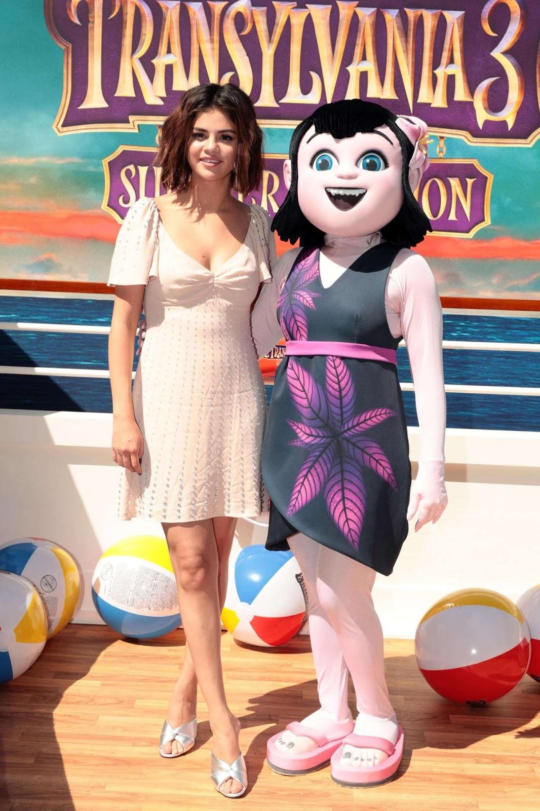 Selena Gomez: Hotel Transylvania 3: Summer Vacation Photocall