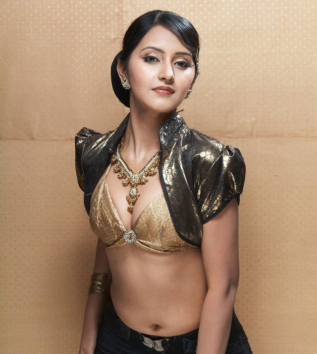 NISEWALLPAPERS: Archana Sharma Hot Photo Shoot