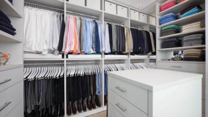 4 Cara Membuat Lemari Baju Terlihat Lebih Rapi