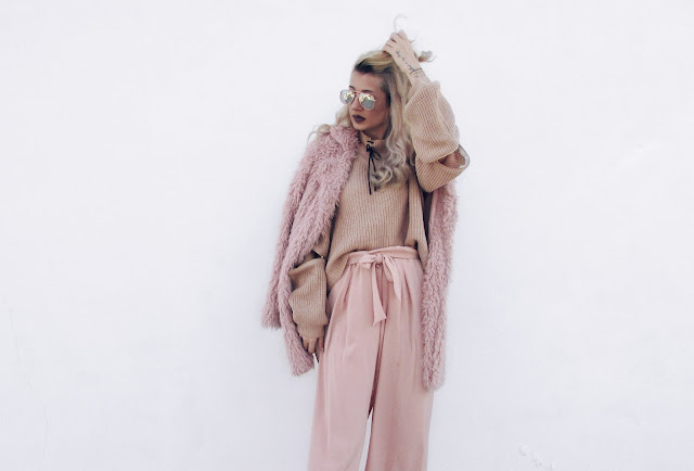 pink fur outfit ideas