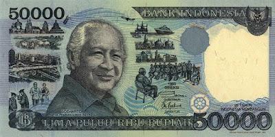 Uang kertas kuno 50 ribu rupiah tahun 1993 gambar soeharto mesem-senyum