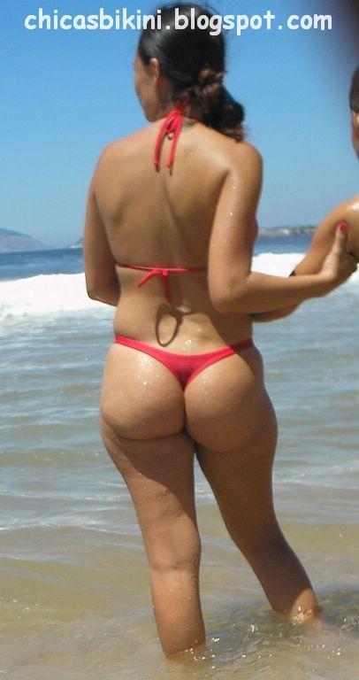 Mujeres grandes en bikinis